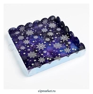 Коробка для пряников и печенья с прозрачной крышкой Снежинки (Синий/голубой фон). Размер: 21*21*3 см - фото 8780