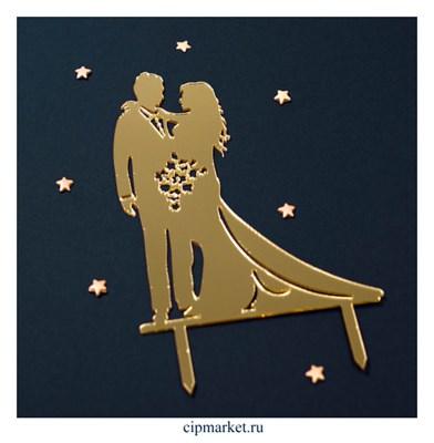 Топпер силуэт Молодожены с букетом Золото. Размер: 15х11 см - фото 9578