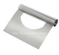 Шпатель-скребок металлический с отверстием. Размер: 15*12 см.